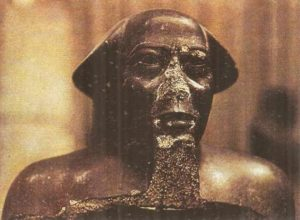 Priest statue. Thebes. XXV dynasty.